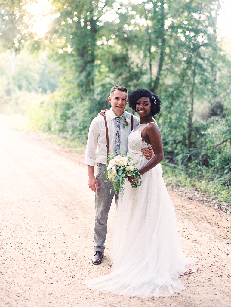 simple-natural-light-texas-wedding01