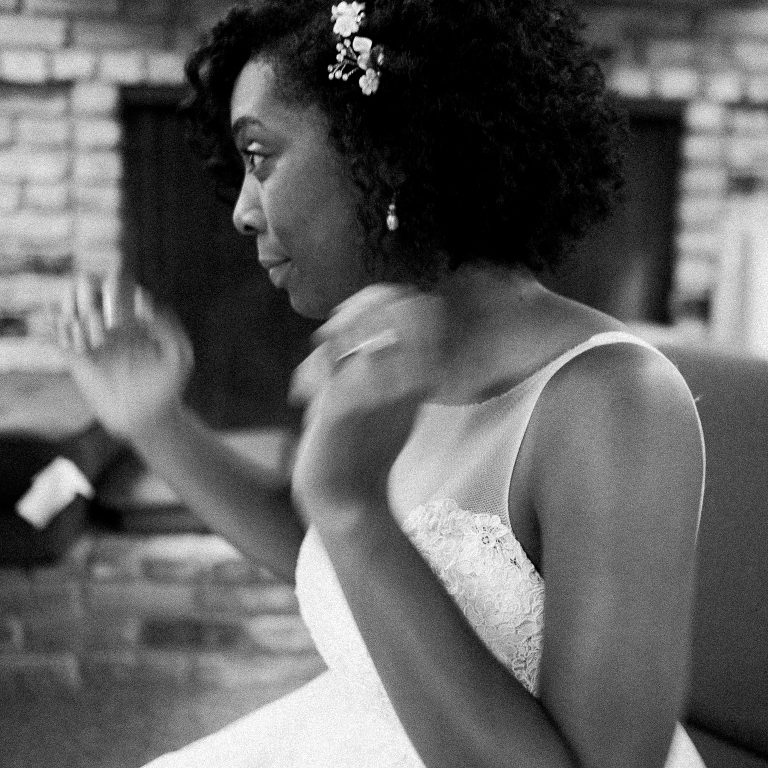 simple-natural-light-texas-wedding09