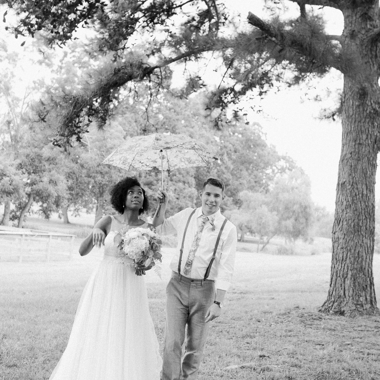 simple-natural-light-texas-wedding25