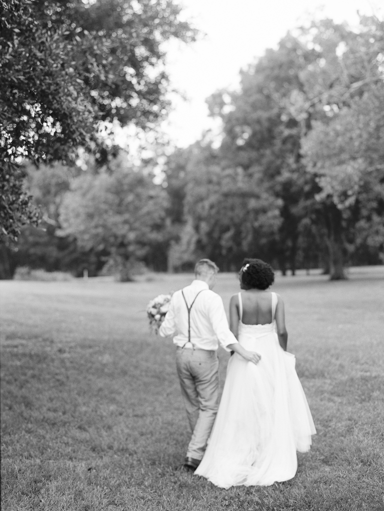 simple-natural-light-texas-wedding31