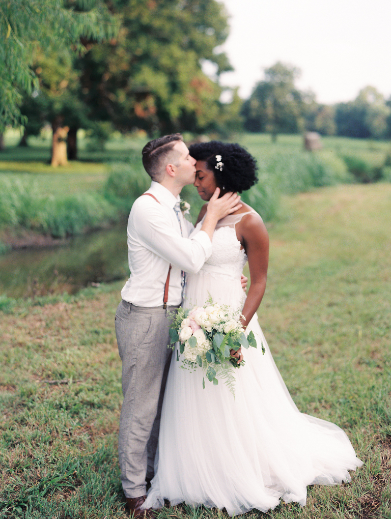 simple-natural-light-texas-wedding34